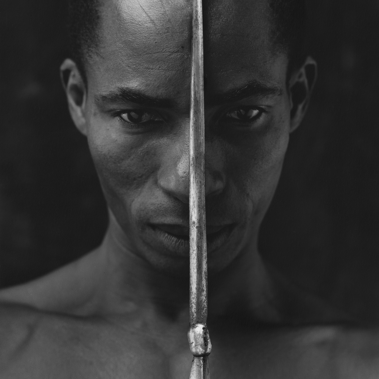 Eduardo with dagger